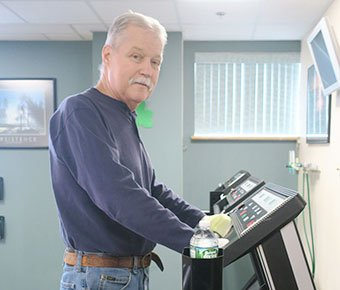 Dave Capraro, pulmonary patient on treadmill